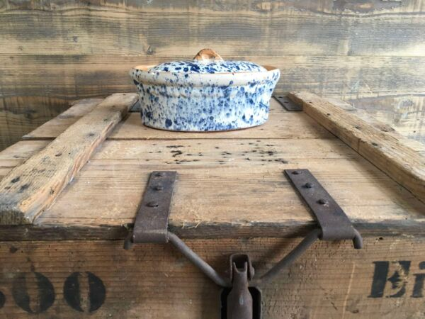 Brotbacktopf aus elsässer Keramik, zum Backen in Holzbacköfen bestens geeignet.