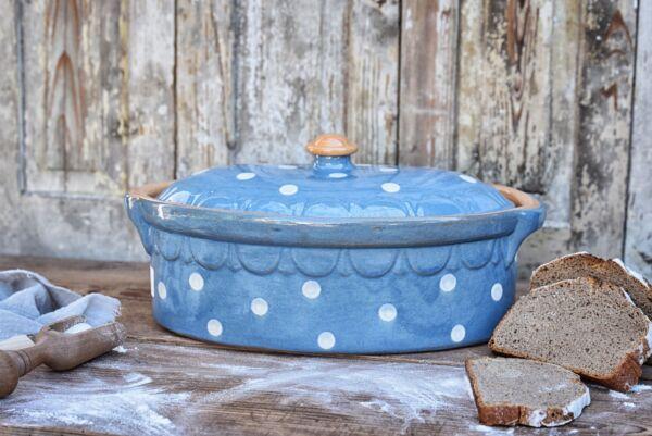 Terrine ovale n°2, bleu clair pois blanc