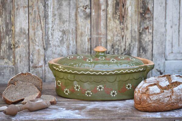 Brotbacktopf, Terrine / Bäckeroffe -  grün mit floralem Dekor - auch zum Schmoren geeignet, holzbackofenfest
