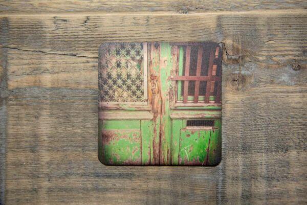 Holzpostkarte 'Alte Haustür in Straßbourg'