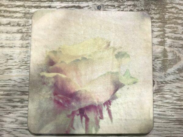 Holzpostkarte 'Rose in Aquarell'