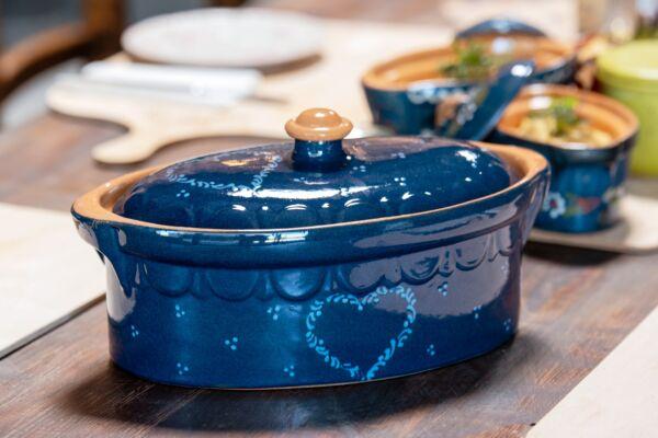 Terrine ovale n°3, bleu, 'Coeur Gaby'