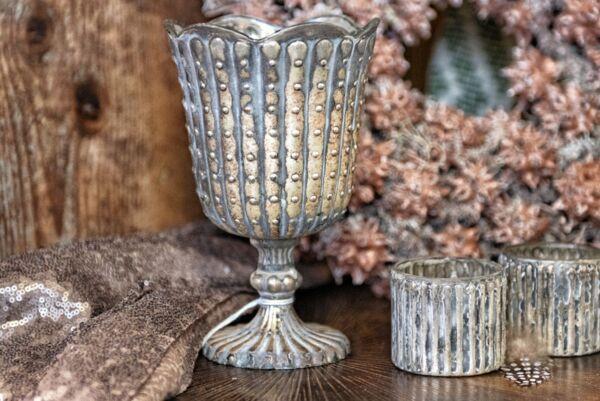 Teelicht aus Glas, Pokal, silber / zementfarben