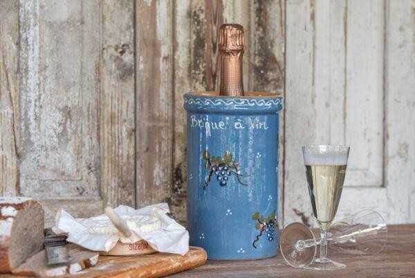 Brique à vin, bouteille 1L, bleu clair, 'Raisins Jetés'
